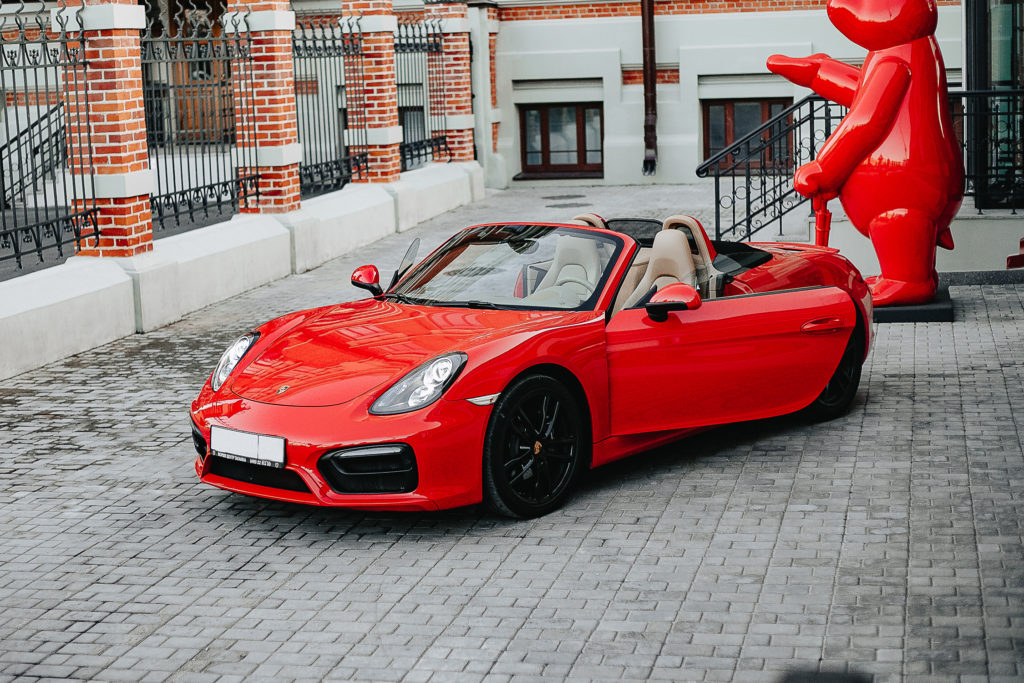 Red Porsche Boxter аренда нижний новгород